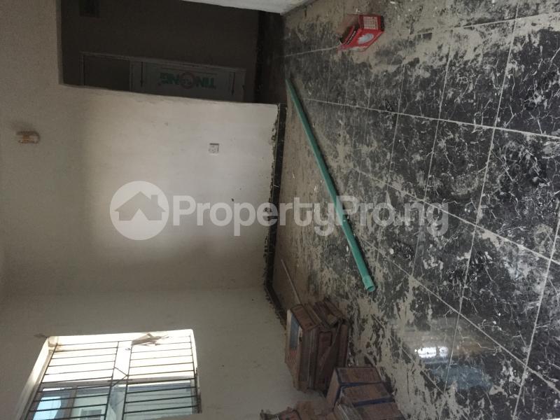1 bedroom Mini flat for rent Obanikoro Shomolu Lagos - 7