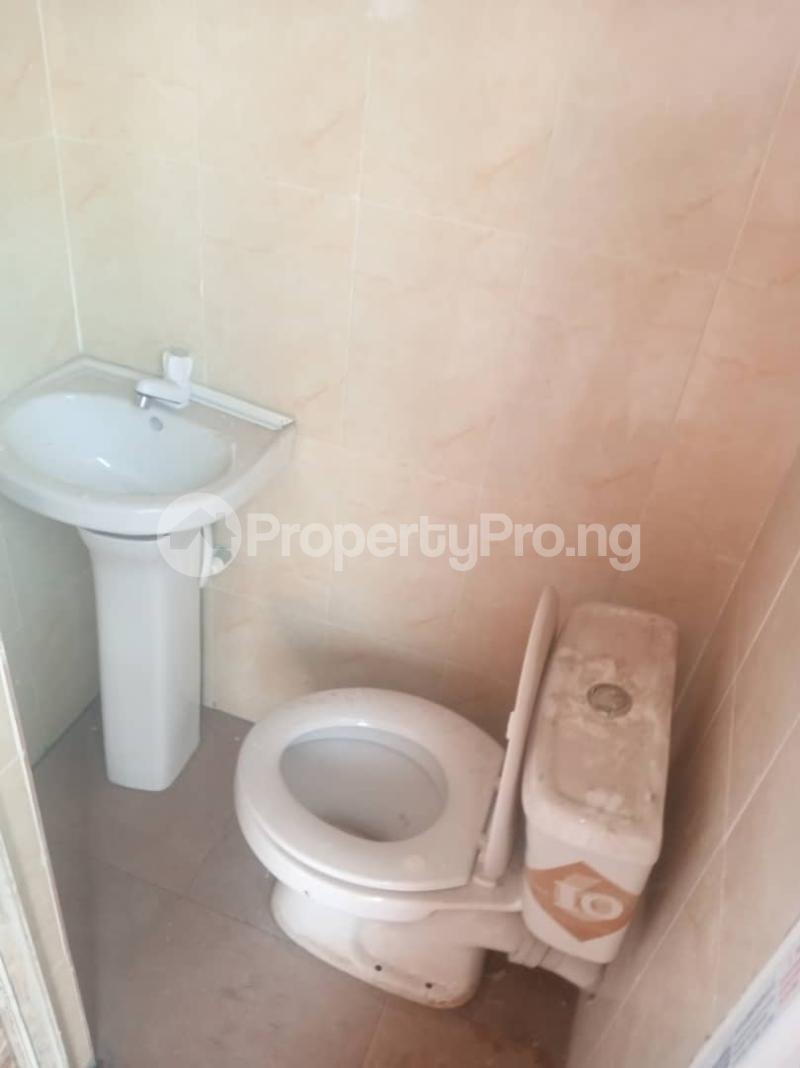 1 bedroom Mini flat for rent Pedro Obanikoro Shomolu Lagos - 4