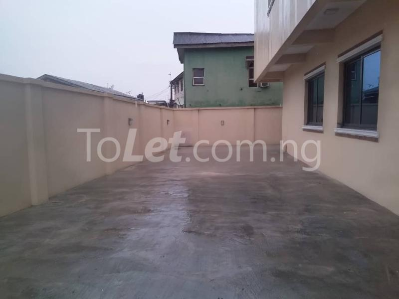 Office Space Commercial Property for rent JIbowu Jibowu Yaba Lagos - 11
