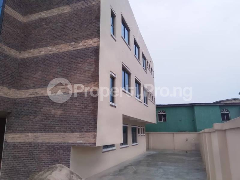 Office Space Commercial Property for rent JIbowu Jibowu Yaba Lagos - 13