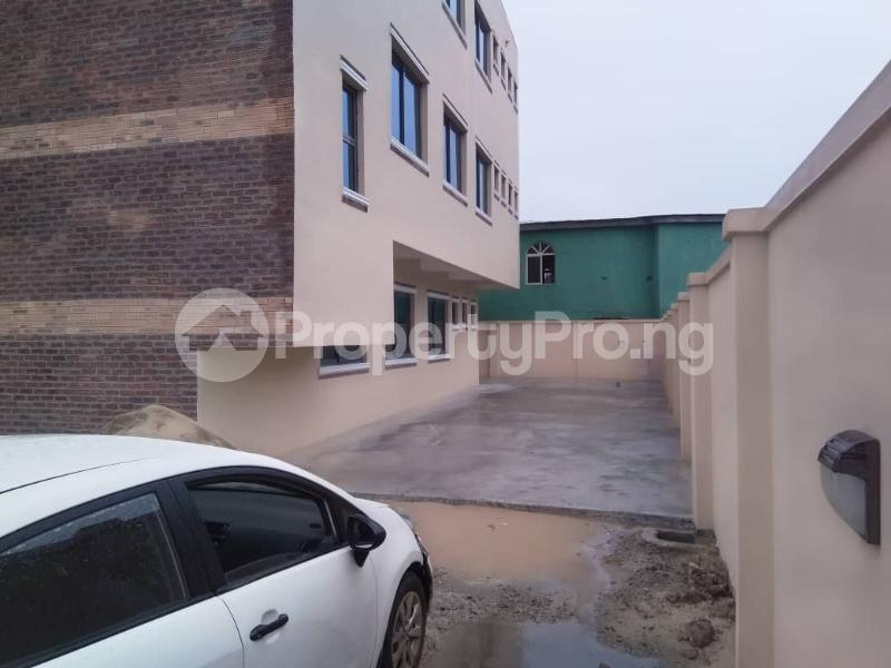 Office Space Commercial Property for rent JIbowu Jibowu Yaba Lagos - 12