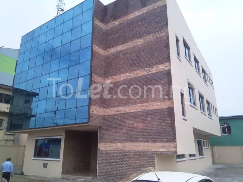 Office Space Commercial Property for rent JIbowu Jibowu Yaba Lagos - 0