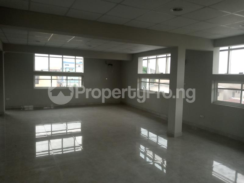4 bedroom Office Space Commercial Property for rent Bornu way off Herbert macculley Alagomeji Yaba Lagos - 2
