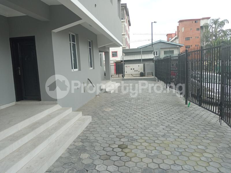4 bedroom Office Space Commercial Property for rent Bornu way off Herbert macculley Alagomeji Yaba Lagos - 5