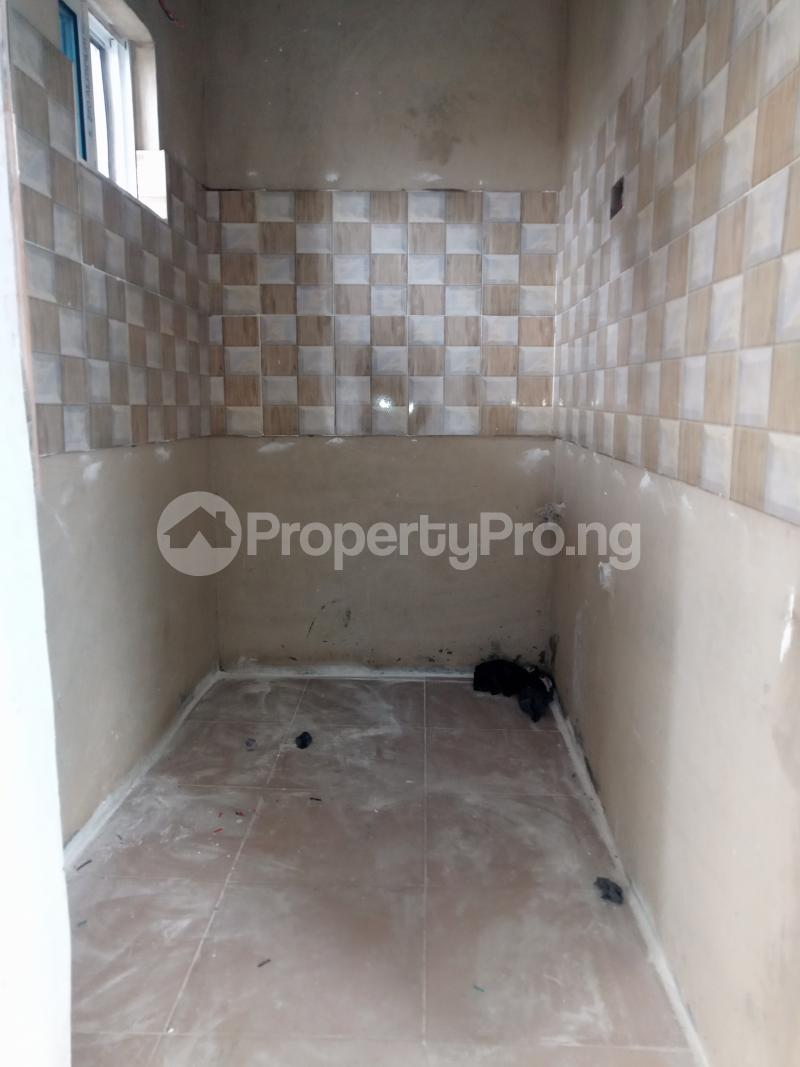 1 bedroom Self Contain for rent Alagomeji Alagomeji Yaba Lagos - 2
