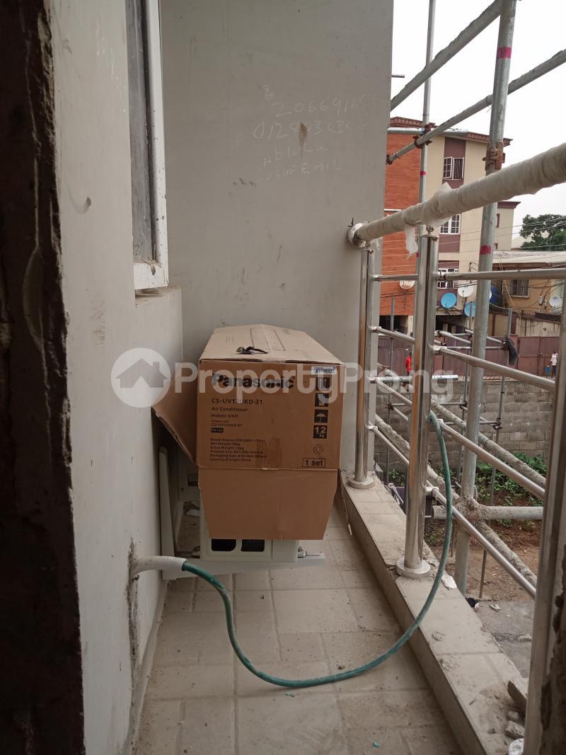 1 bedroom Self Contain for rent Onike Onike Yaba Lagos - 0