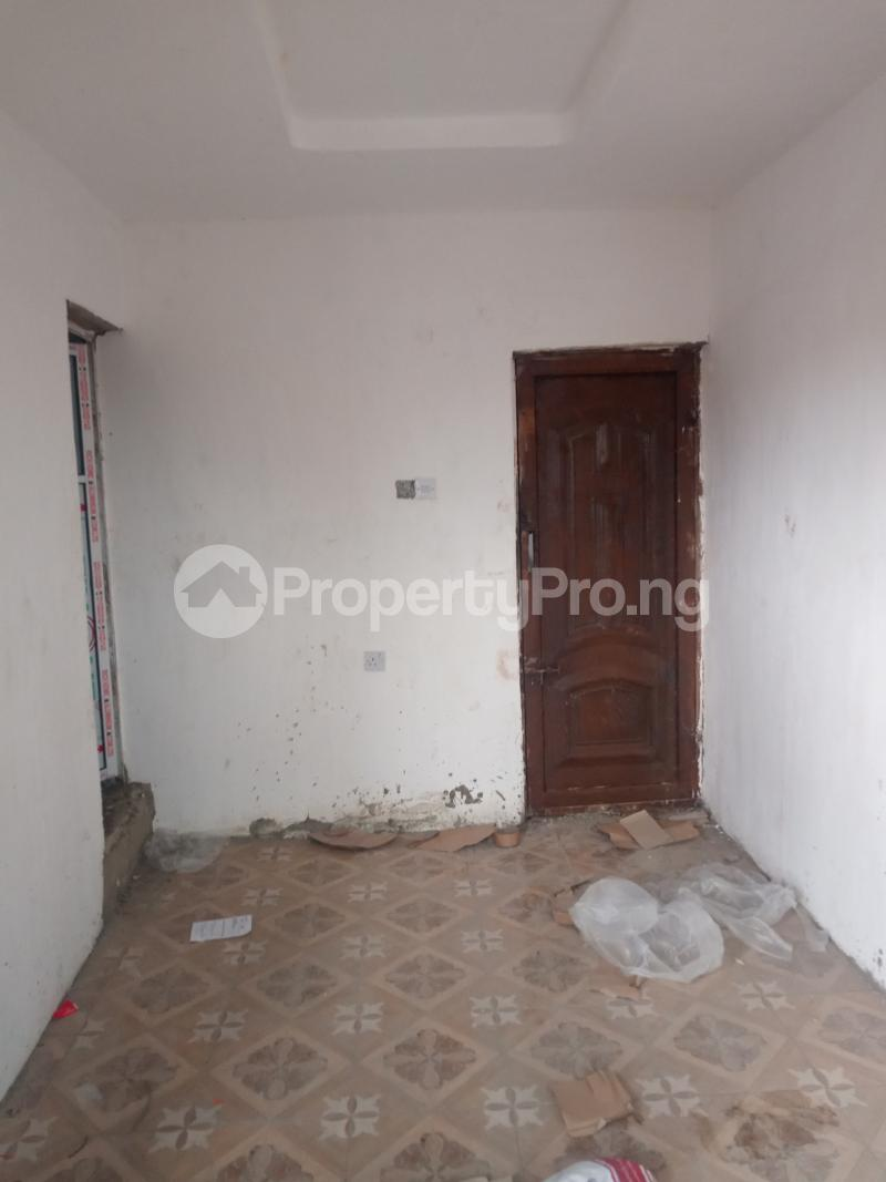1 bedroom Self Contain for rent Off Apapa Road Ebute Metta West Costain Ebute Metta Yaba Lagos - 3