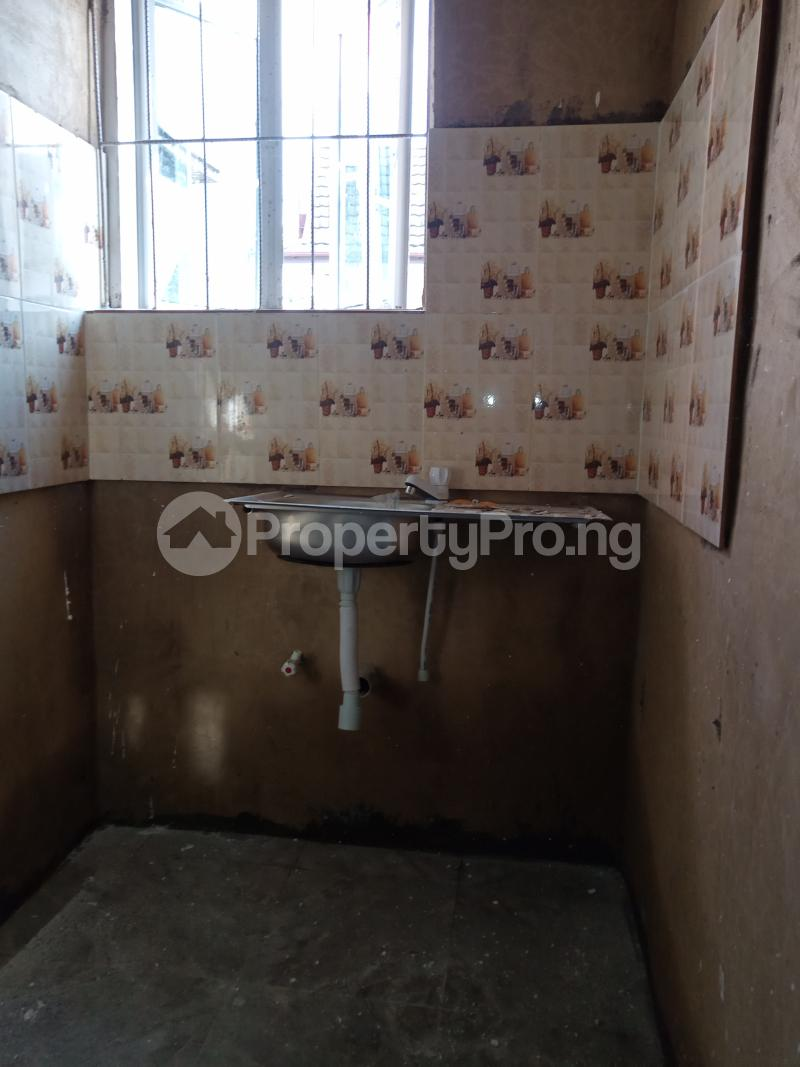 1 bedroom Self Contain for rent Onike Sabo Yaba Lagos - 3