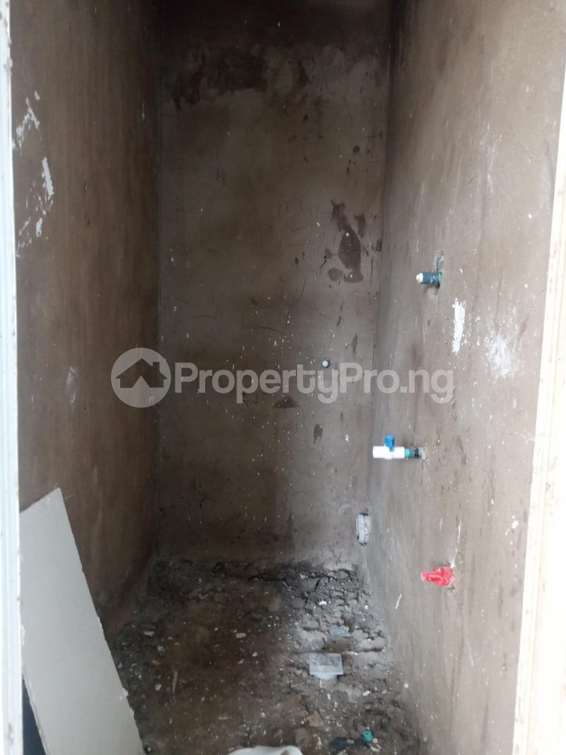 1 bedroom Self Contain for rent Onike Onike Yaba Lagos - 2