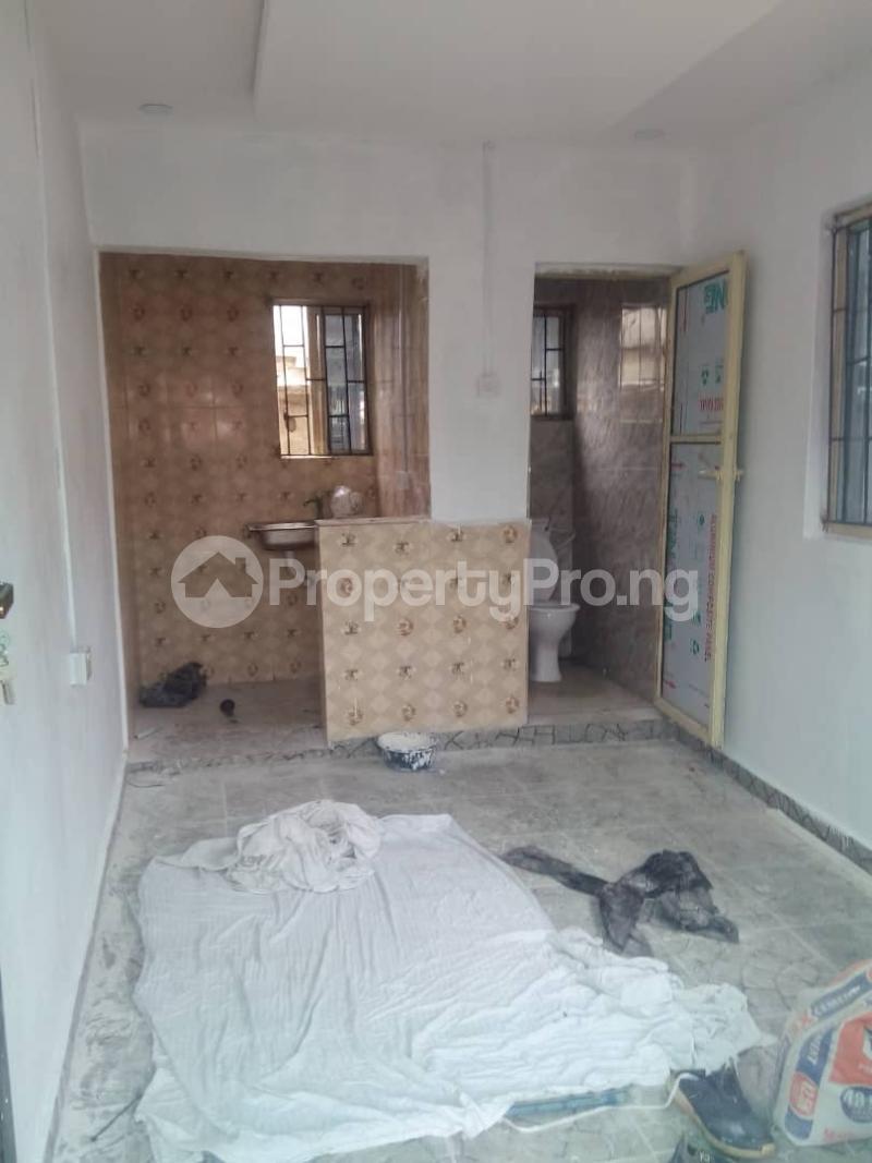 1 bedroom Self Contain for rent Oworonshoki Gbagada Lagos - 3