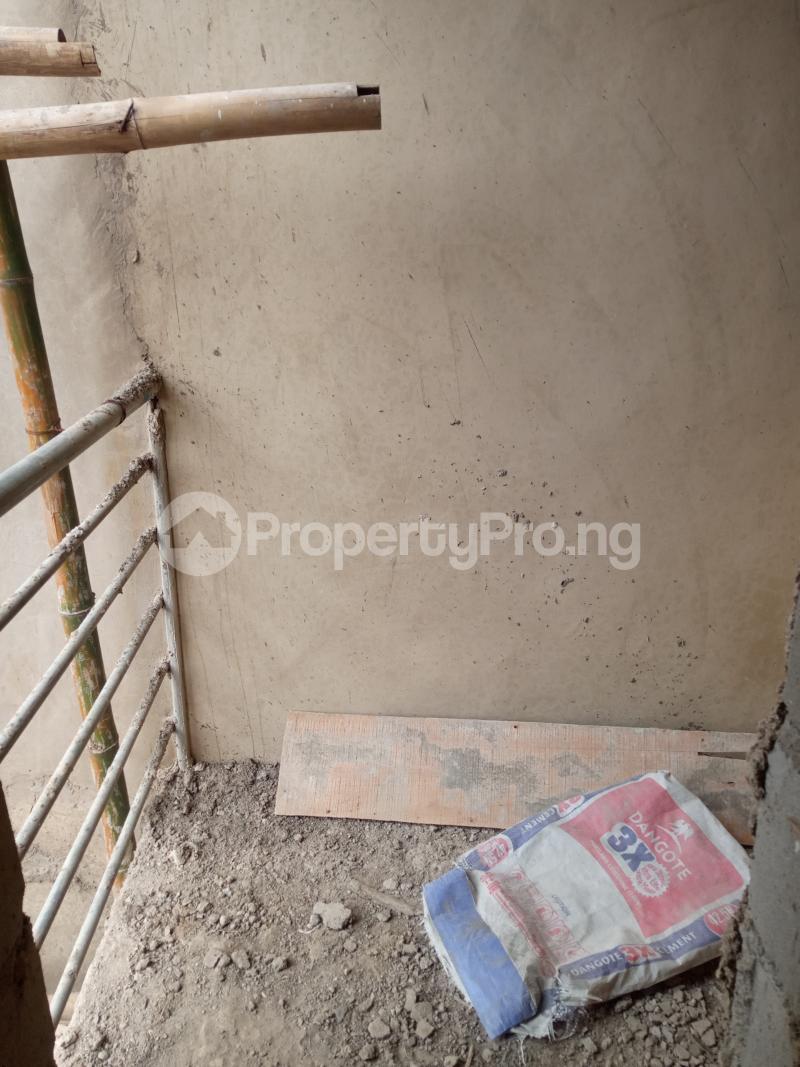 1 bedroom Self Contain for rent Bajulaiye Fola Agoro Yaba Lagos - 1