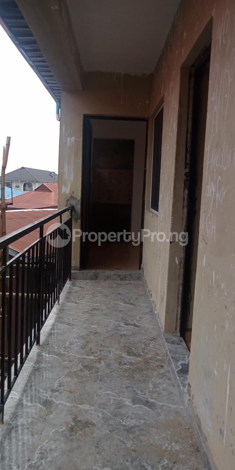 1 bedroom Self Contain for rent Adekunle Ebute Metta Yaba Lagos - 4