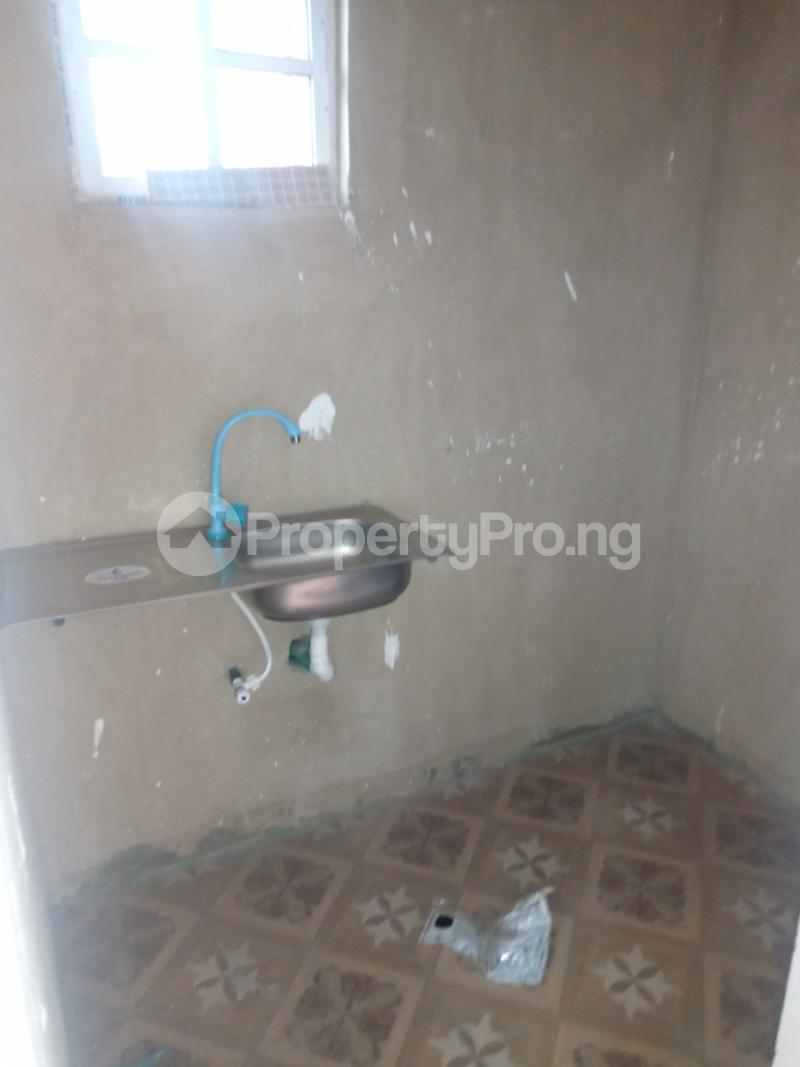 1 bedroom Self Contain for rent Off Apapa Road Ebute Metta West Costain Ebute Metta Yaba Lagos - 4