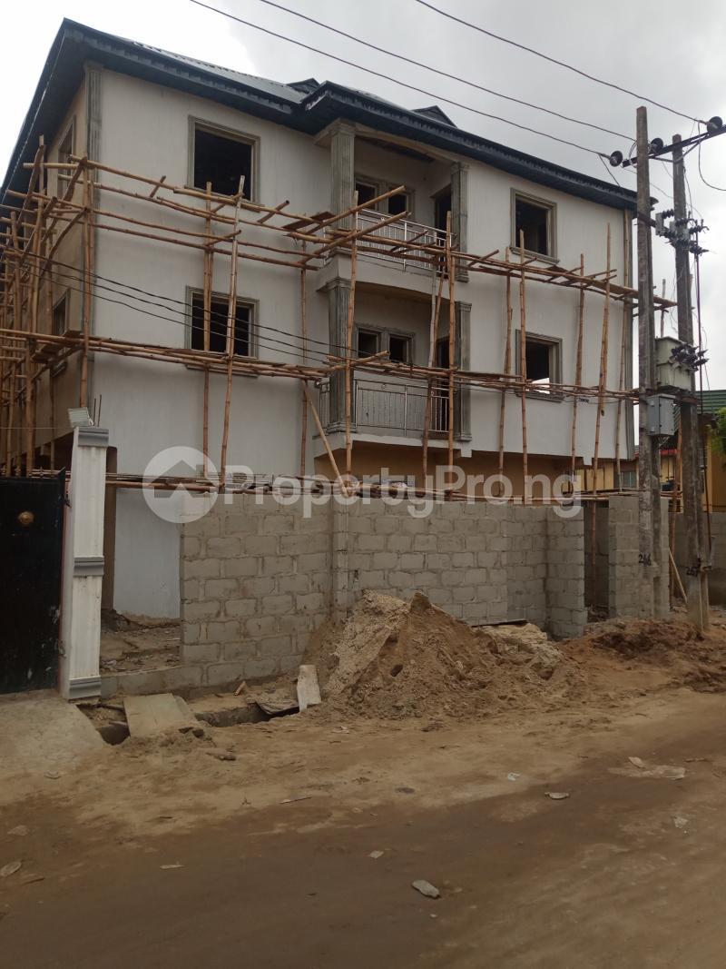 1 bedroom Self Contain for rent Bajulaiye Fola Agoro Yaba Lagos - 4