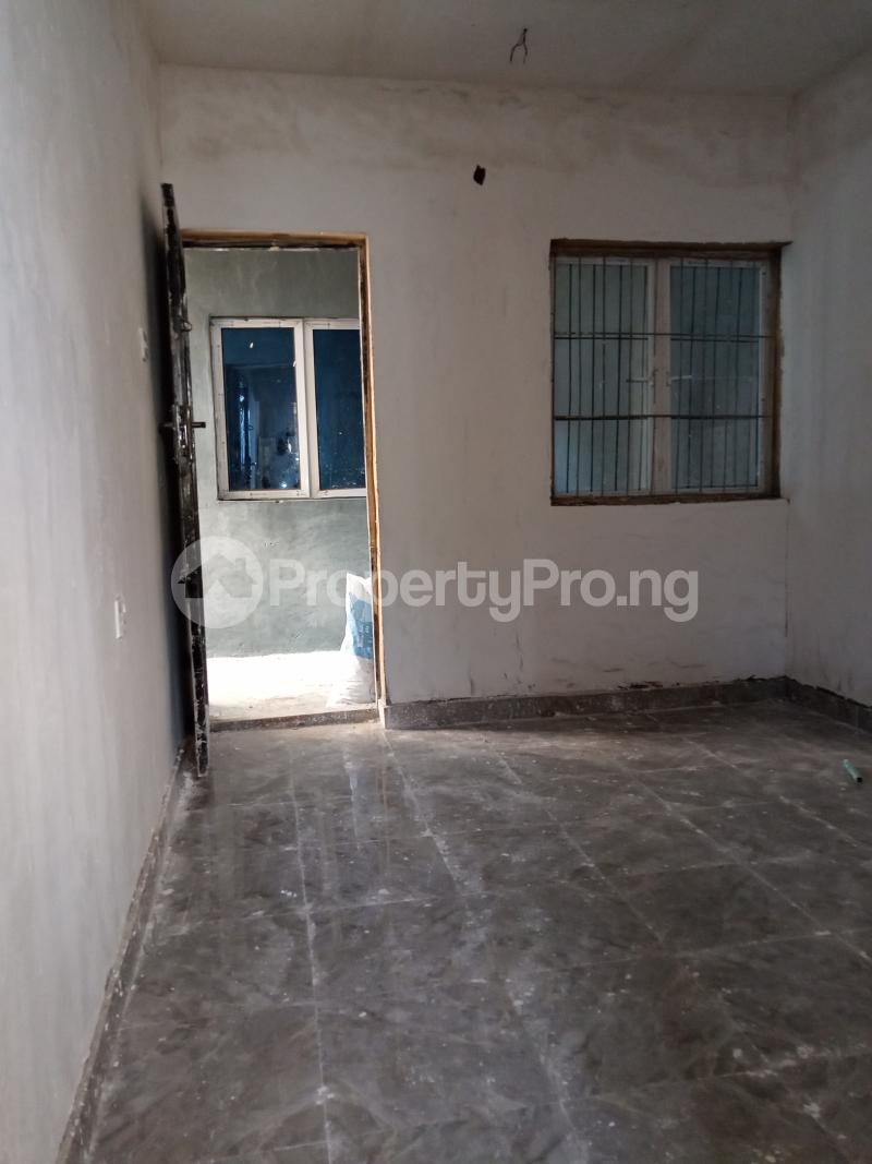 1 bedroom Self Contain for rent Onike Sabo Yaba Lagos - 5
