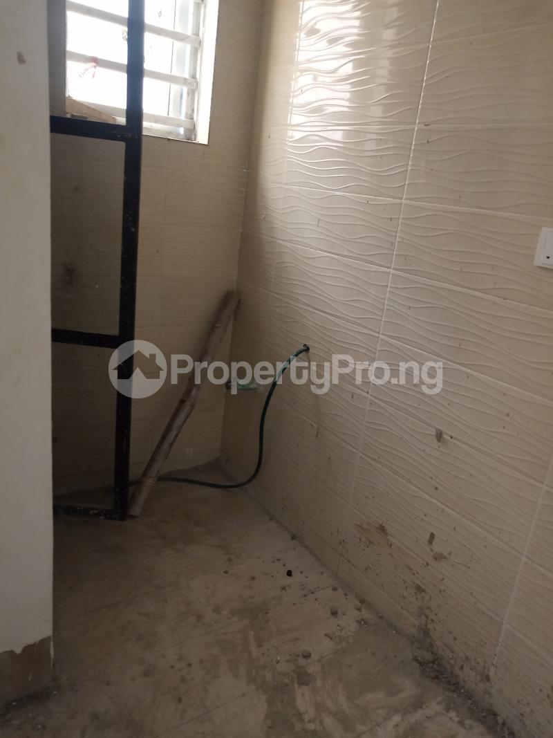 1 bedroom Self Contain for rent Onike Onike Yaba Lagos - 6