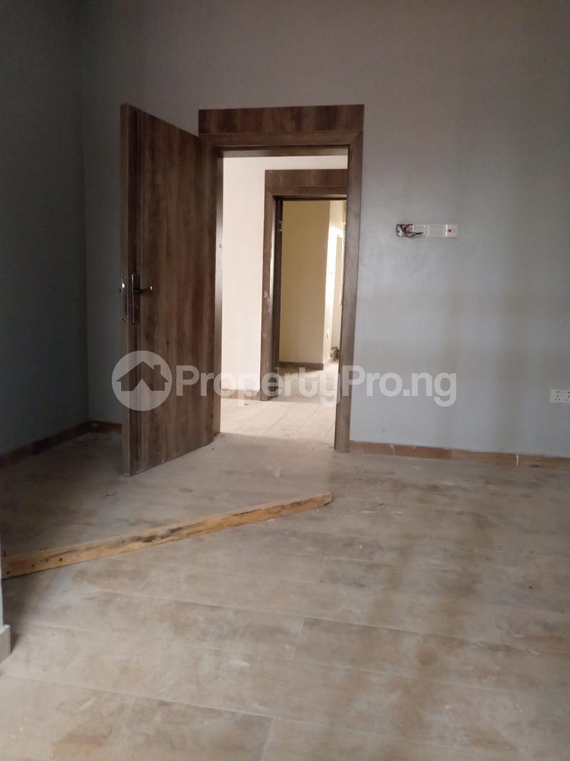 1 bedroom Self Contain for rent Onike Onike Yaba Lagos - 7