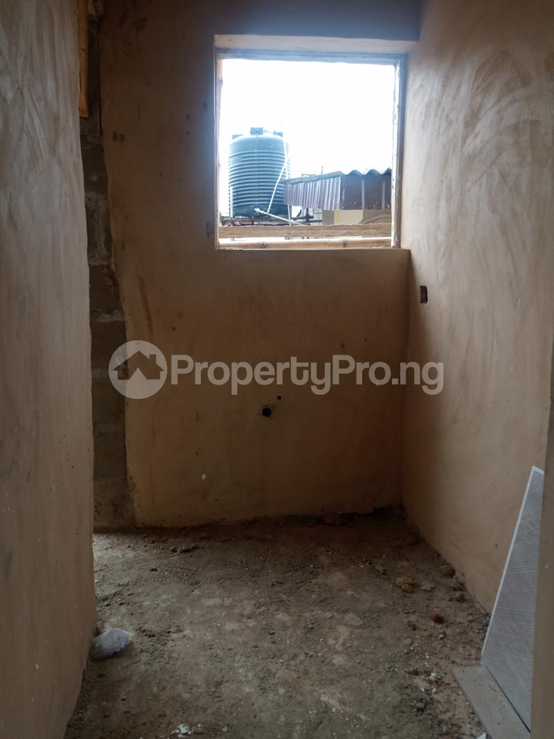 1 bedroom Self Contain for rent Pedro Phase 1 Gbagada Lagos - 0