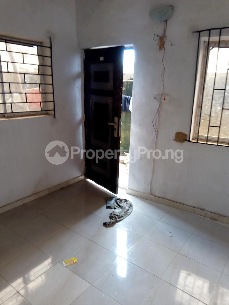 1 bedroom mini flat  Self Contain Flat / Apartment for rent Abdul street  Abule-Oja Yaba Lagos - 1