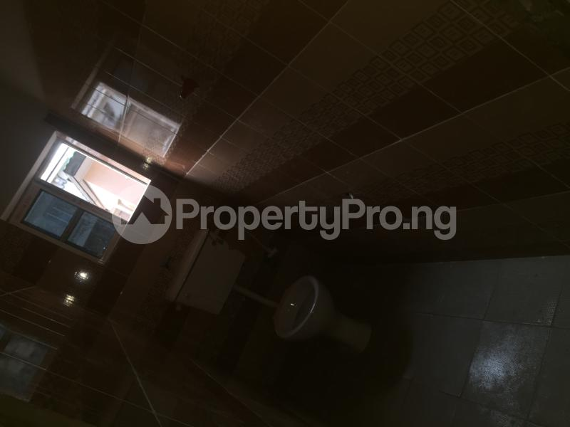 1 bedroom Self Contain for rent  Pedro Obanikoro Shomolu Lagos - 2