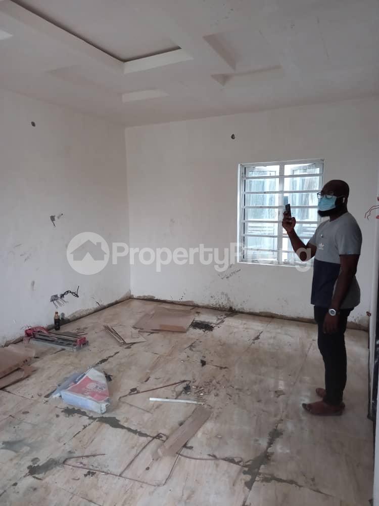 Self Contain for rent Pedro Obanikoro Shomolu Lagos - 1