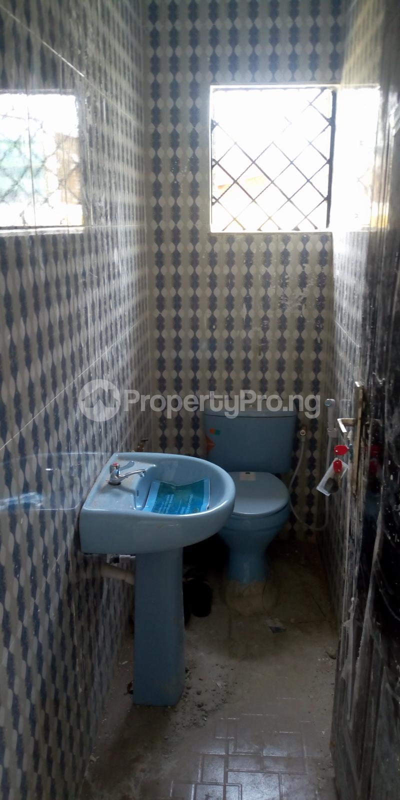 Private Office Co working space for rent Ologuneru road close to vanguard pharmacy  Eleyele Ibadan Oyo - 4