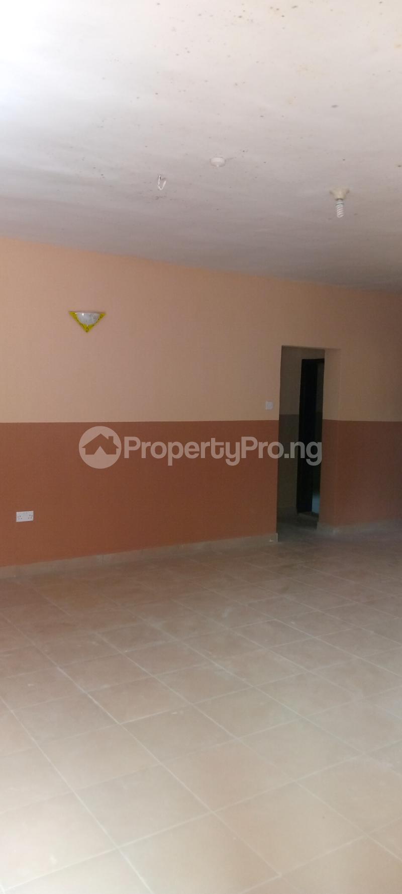 3 bedroom Blocks of Flats House for rent Basin area Ilorin Kwara - 5