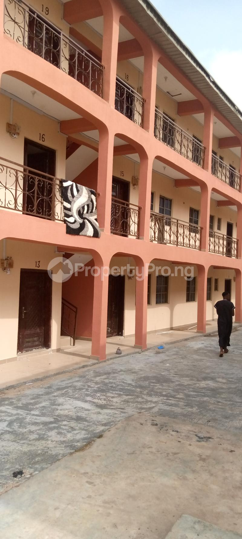 3 bedroom Blocks of Flats House for rent Basin area Ilorin Kwara - 1