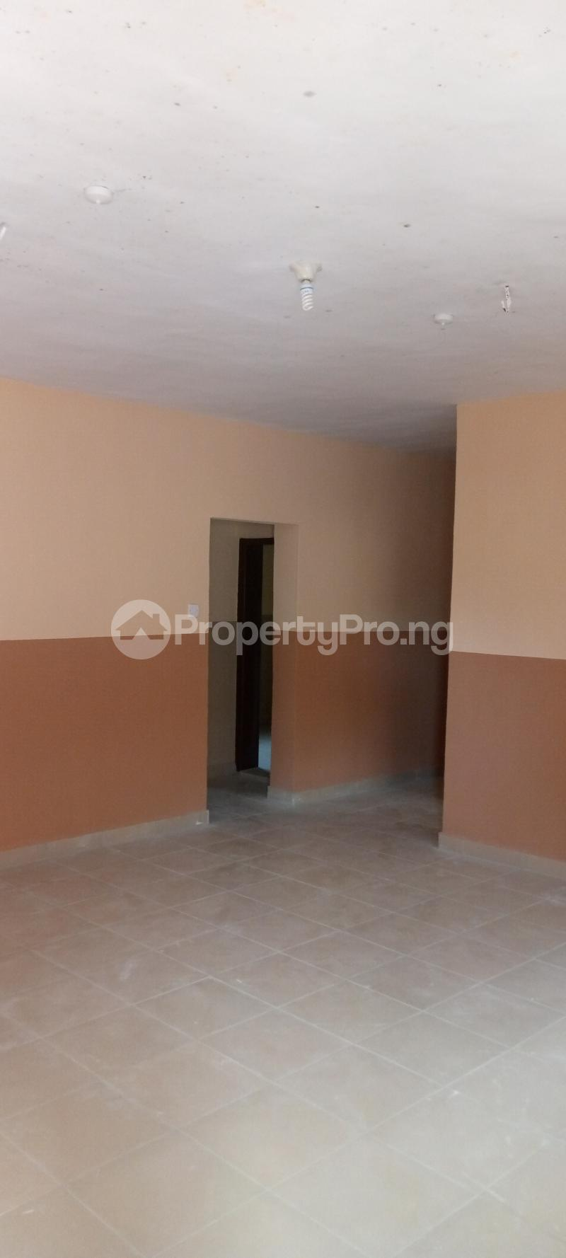 3 bedroom Blocks of Flats House for rent Basin area Ilorin Kwara - 6