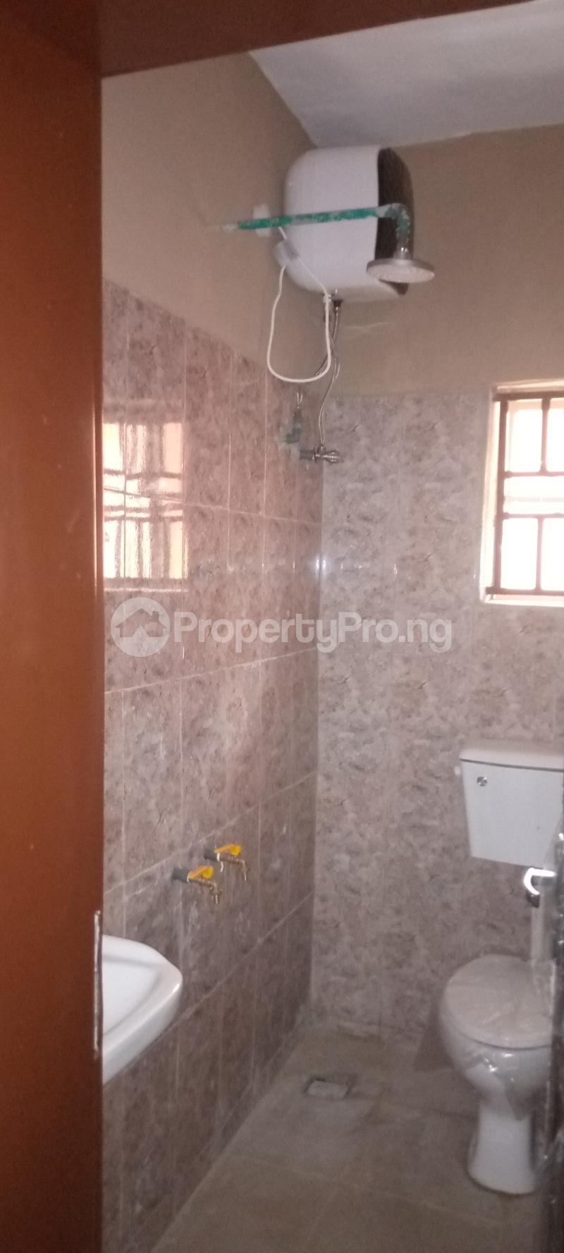 3 bedroom Blocks of Flats House for rent Basin area Ilorin Kwara - 4