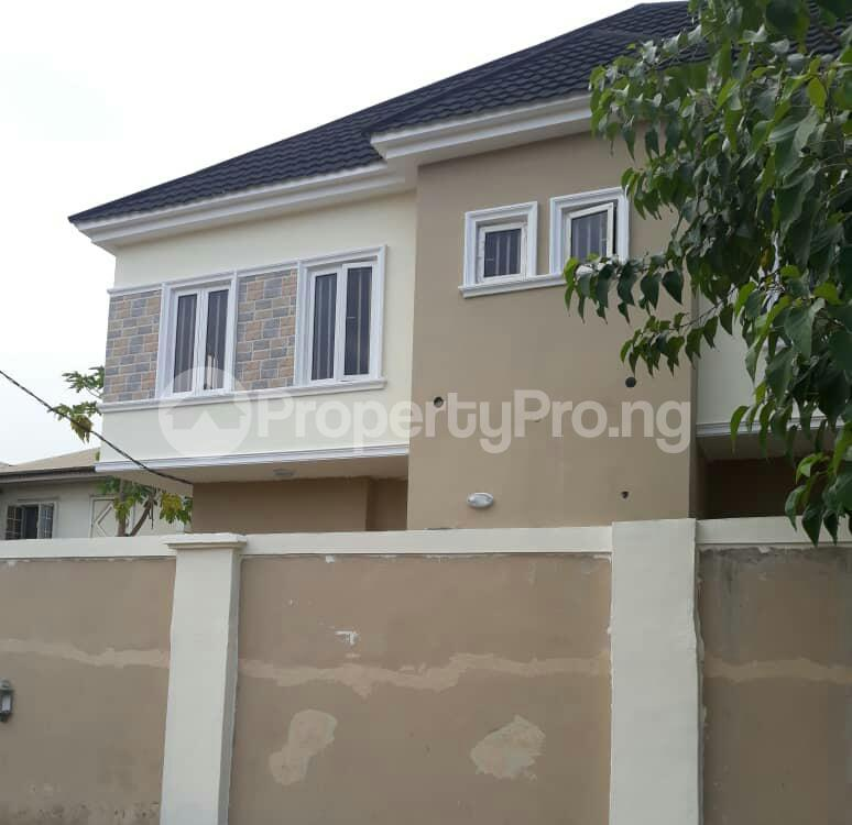 4 bedroom Semi Detached Duplex House for sale - Magodo GRA Phase 1 Ojodu Lagos - 2