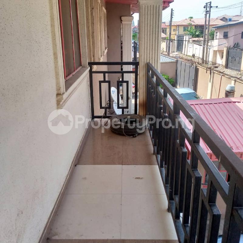 2 bedroom Flat / Apartment for rent Pedro Obanikoro Shomolu Lagos - 2