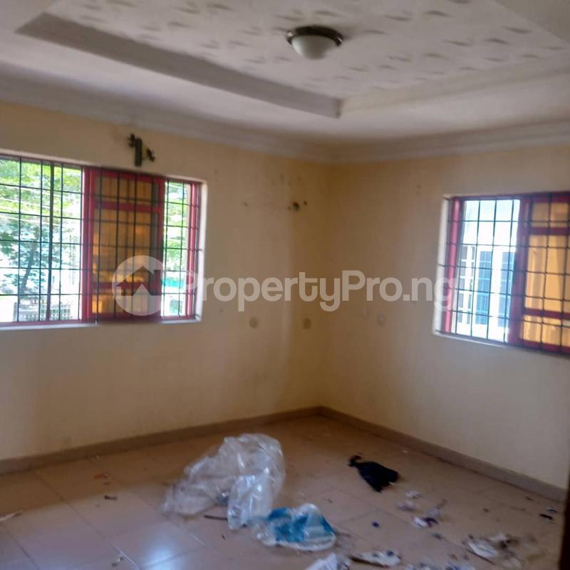 2 bedroom Flat / Apartment for rent Pedro Obanikoro Shomolu Lagos - 5
