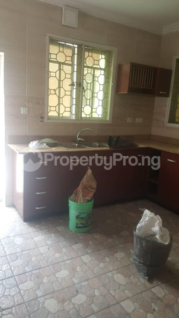 3 bedroom House for rent Off ogunlana Ogunlana Surulere Lagos - 6