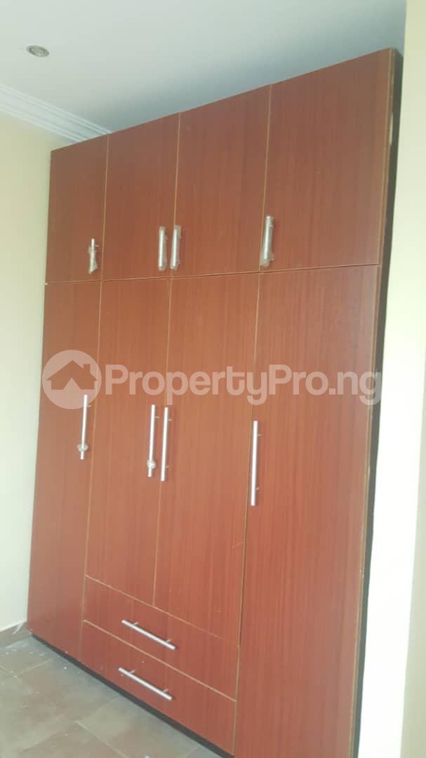 3 bedroom House for rent Off ogunlana Ogunlana Surulere Lagos - 14