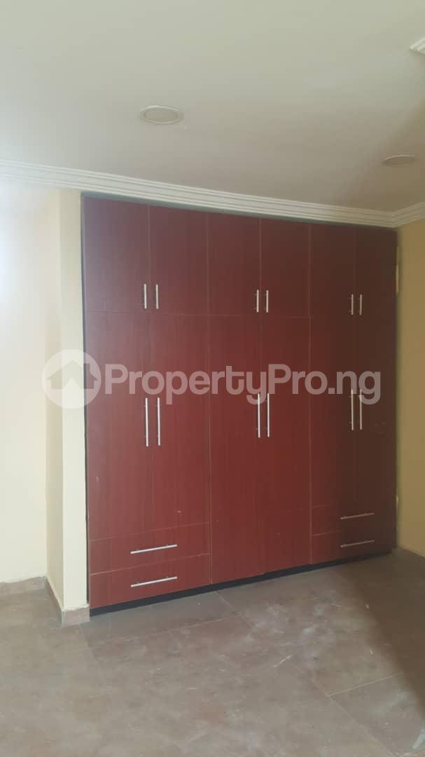 3 bedroom House for rent Off ogunlana Ogunlana Surulere Lagos - 9