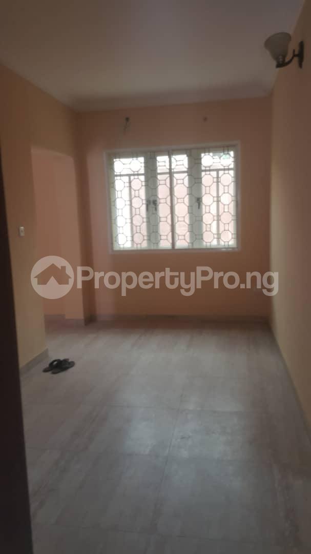 3 bedroom House for rent Off ogunlana Ogunlana Surulere Lagos - 4