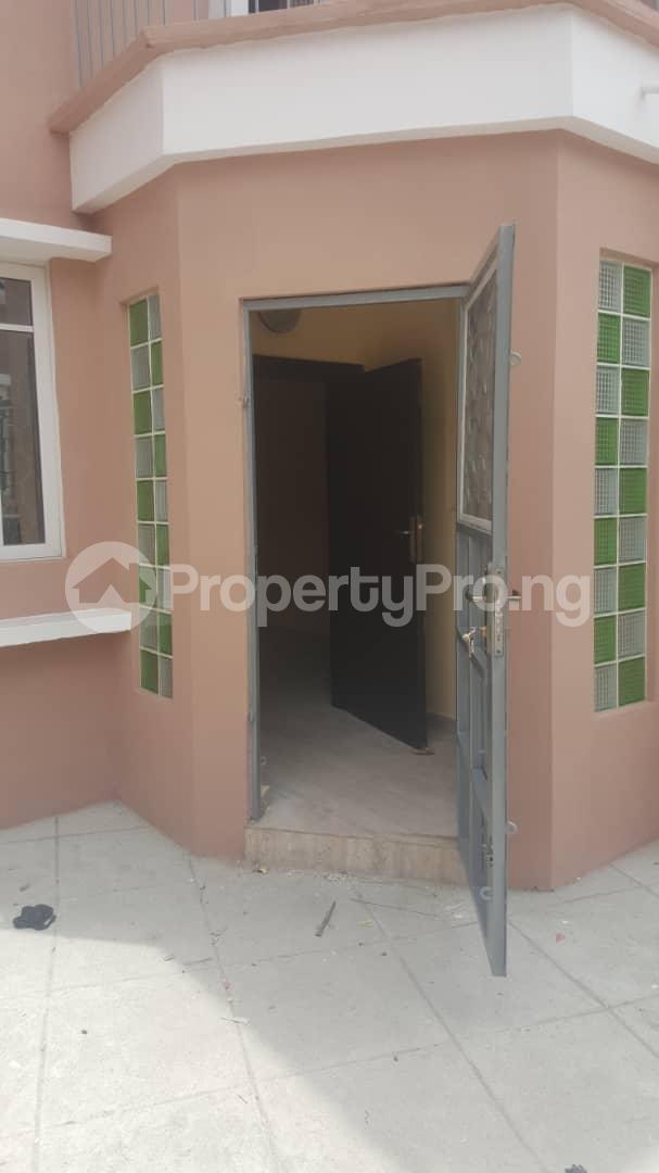 3 bedroom House for rent Off ogunlana Ogunlana Surulere Lagos - 1