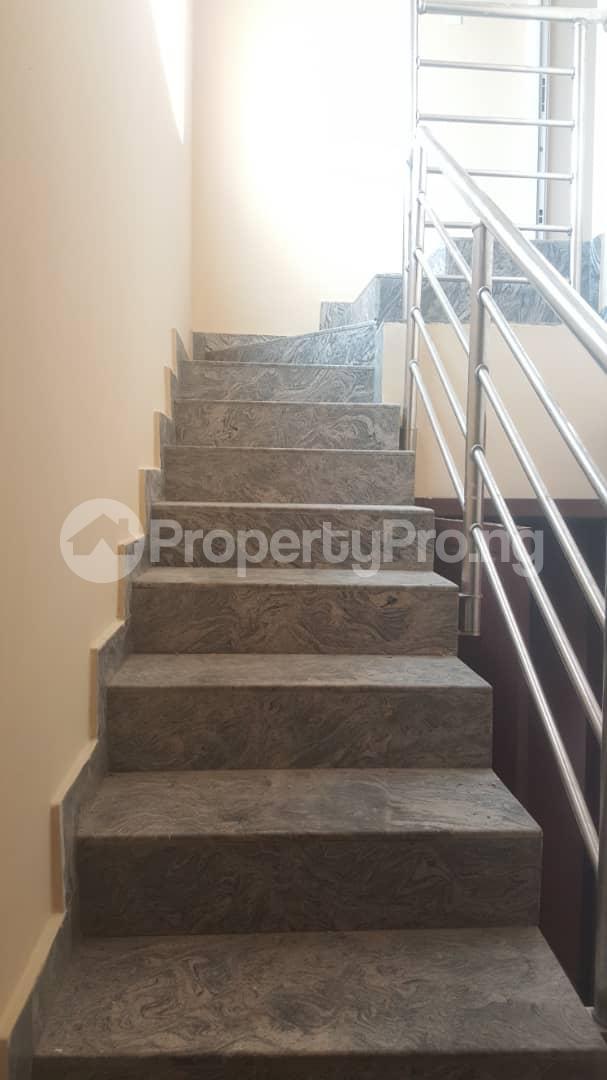 3 bedroom House for rent Off ogunlana Ogunlana Surulere Lagos - 8