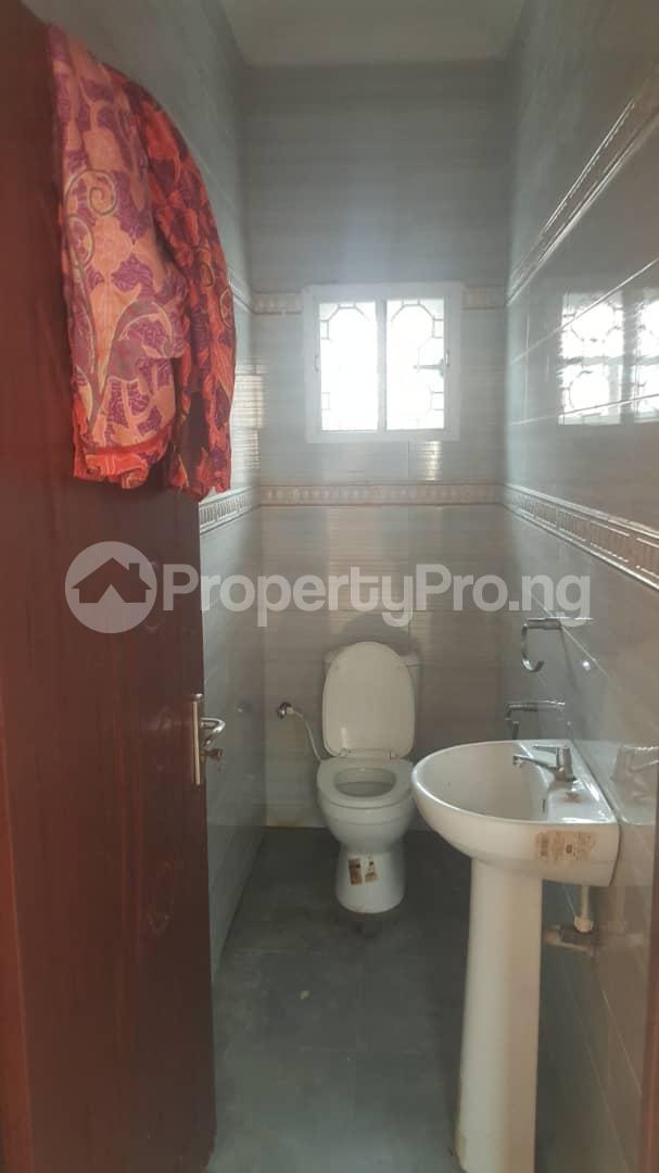 3 bedroom House for rent Off ogunlana Ogunlana Surulere Lagos - 5