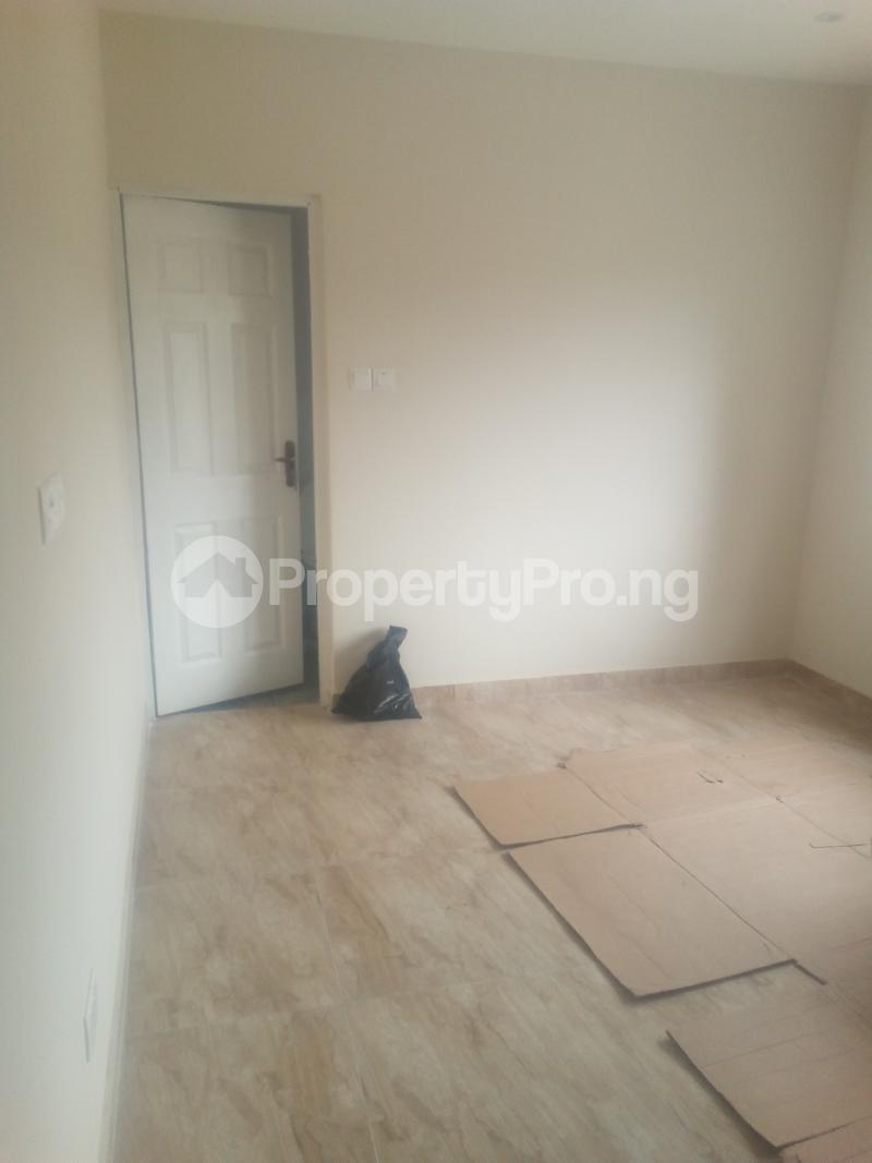 2 bedroom Blocks of Flats House for rent Coker Road Ilupeju Lagos - 10