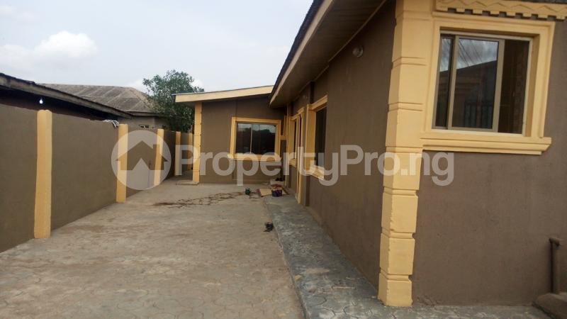 2 bedroom Semi Detached Bungalow House for rent - Akowonjo Alimosho Lagos - 0