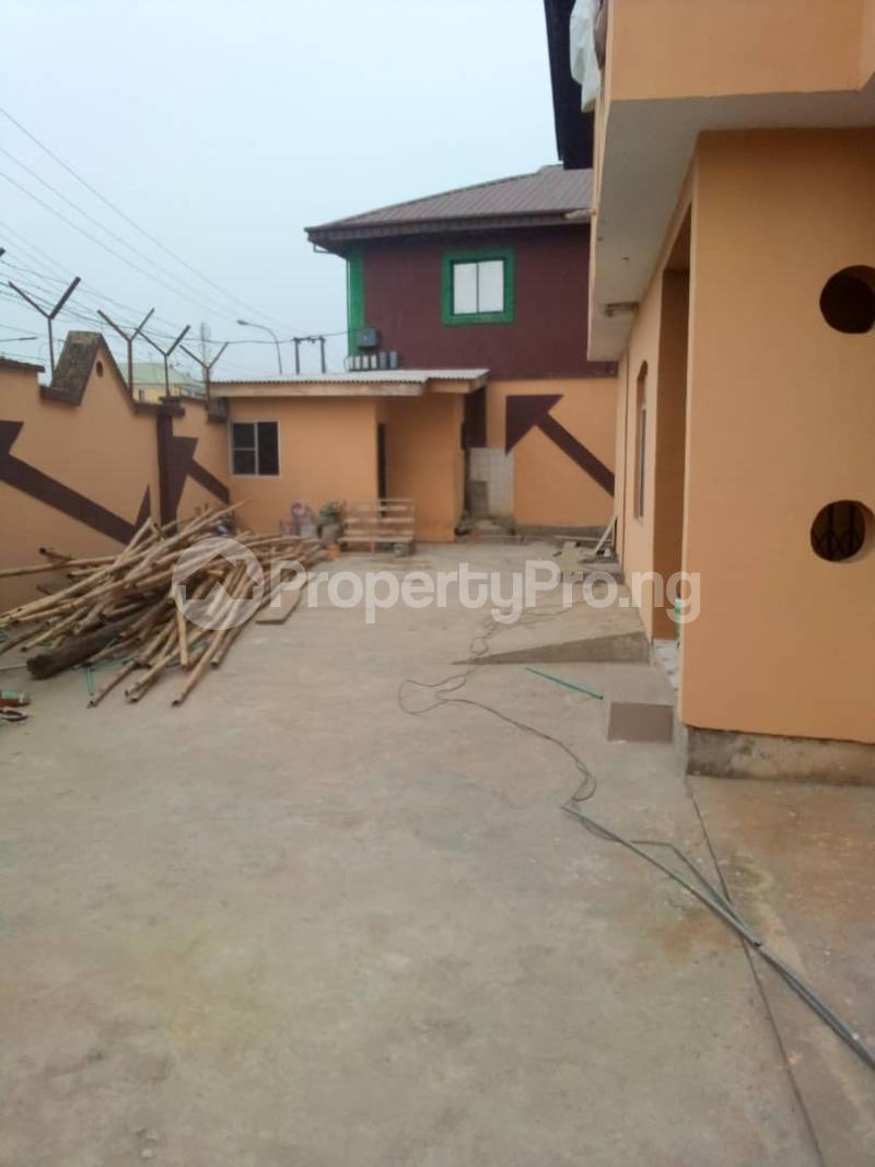 2 bedroom Blocks of Flats for rent   Alimosho Lagos - 1