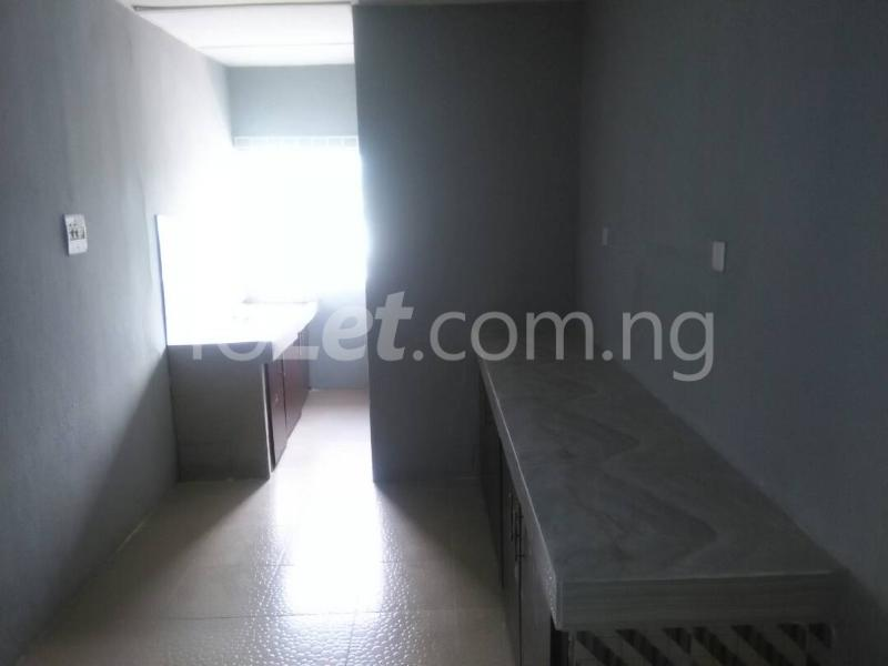 3 bedroom Flat / Apartment for rent idi iroko Estate Mende Maryland Lagos - 3