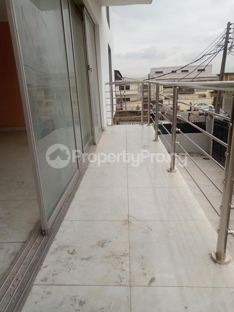 3 bedroom Flat / Apartment for rent An Estate Anthony Village Maryland Lagos - 8