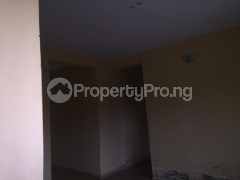 3 bedroom Flat / Apartment for rent Bailey  Abule-Ijesha Yaba Lagos - 1
