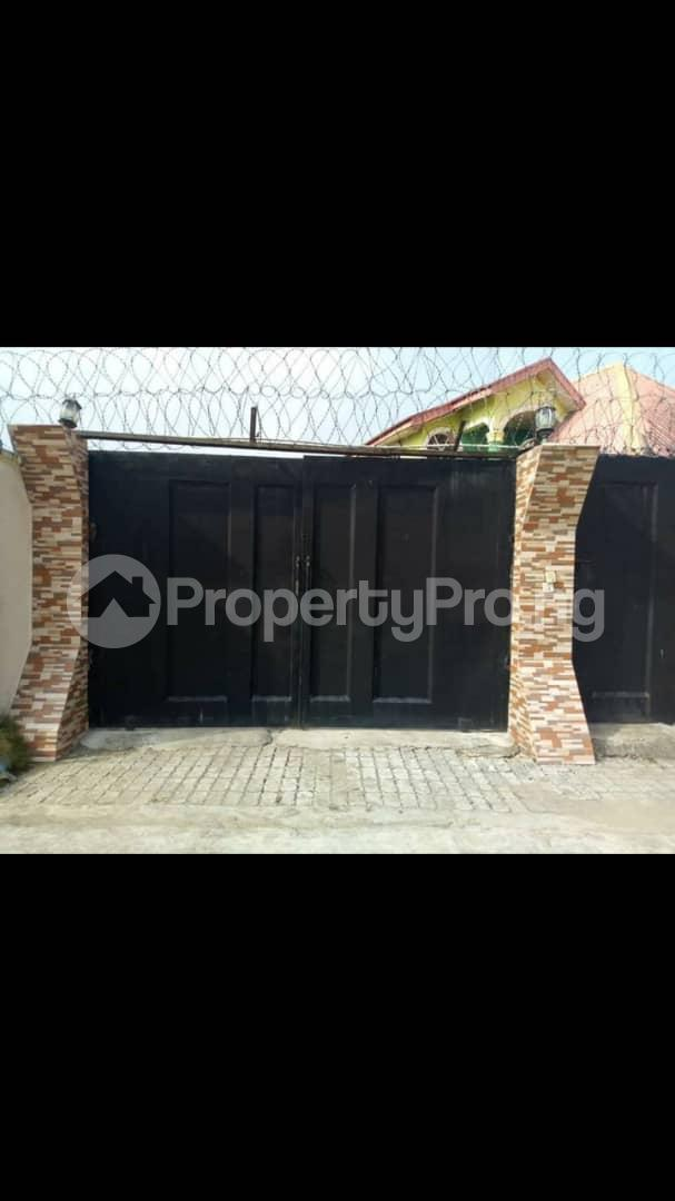 3 bedroom Self Contain Flat / Apartment for rent Abolade street just after nihort the same street at up Jesus area Jericho Ibadan Oyo - 0
