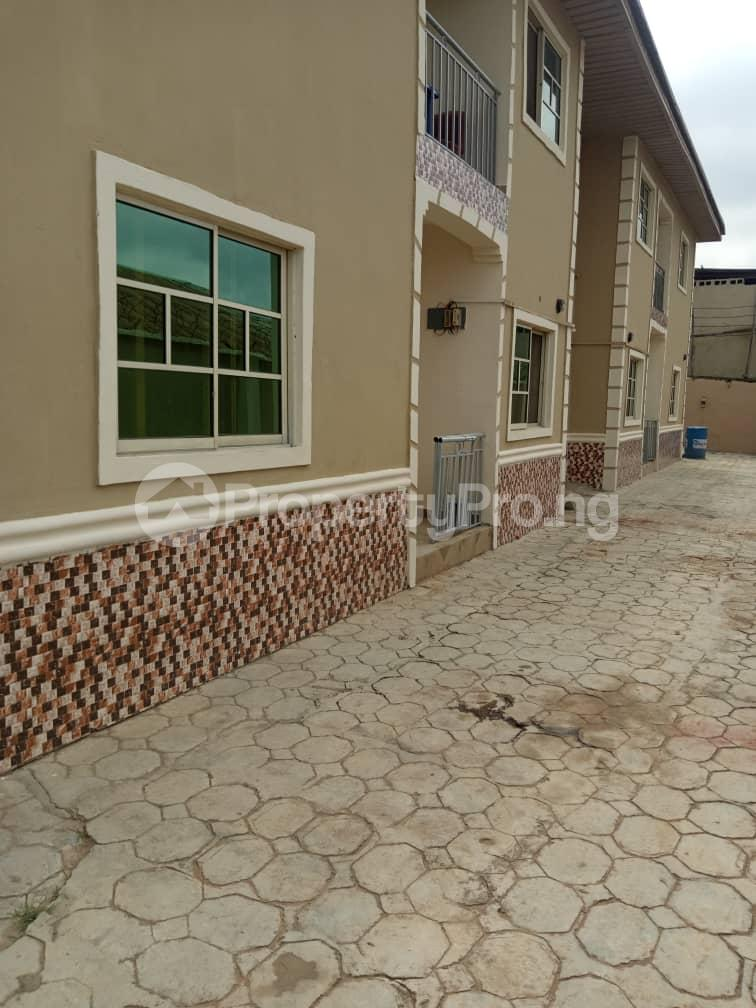 3 bedroom Blocks of Flats House for rent iyana cele podo New garage  Ibadan Oyo - 3