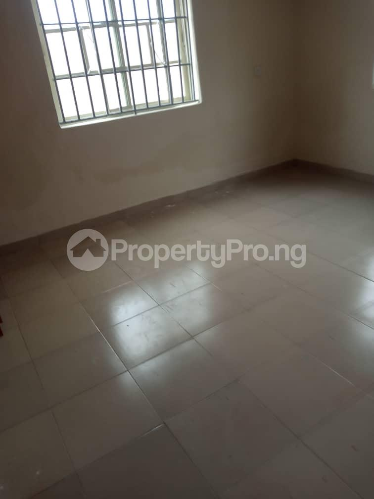 3 bedroom Blocks of Flats House for rent iyana cele podo New garage  Ibadan Oyo - 1