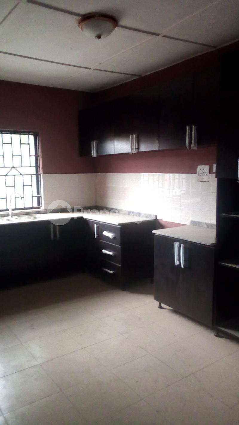 3 bedroom Flat / Apartment for rent Medina Estate Atunrase Medina Gbagada Lagos - 10
